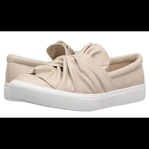 MIA Sneaker